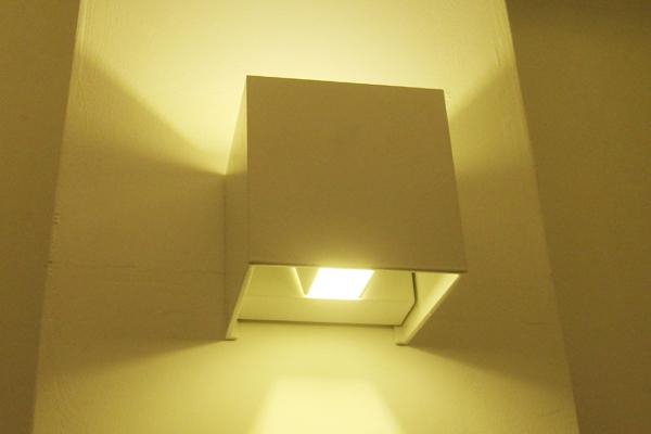 đèn LED gắn tường ngoài trời LWA 803